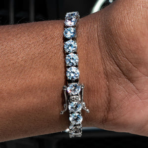 Load image into Gallery viewer, 6mm White Gold Signature Tennis Bracelet