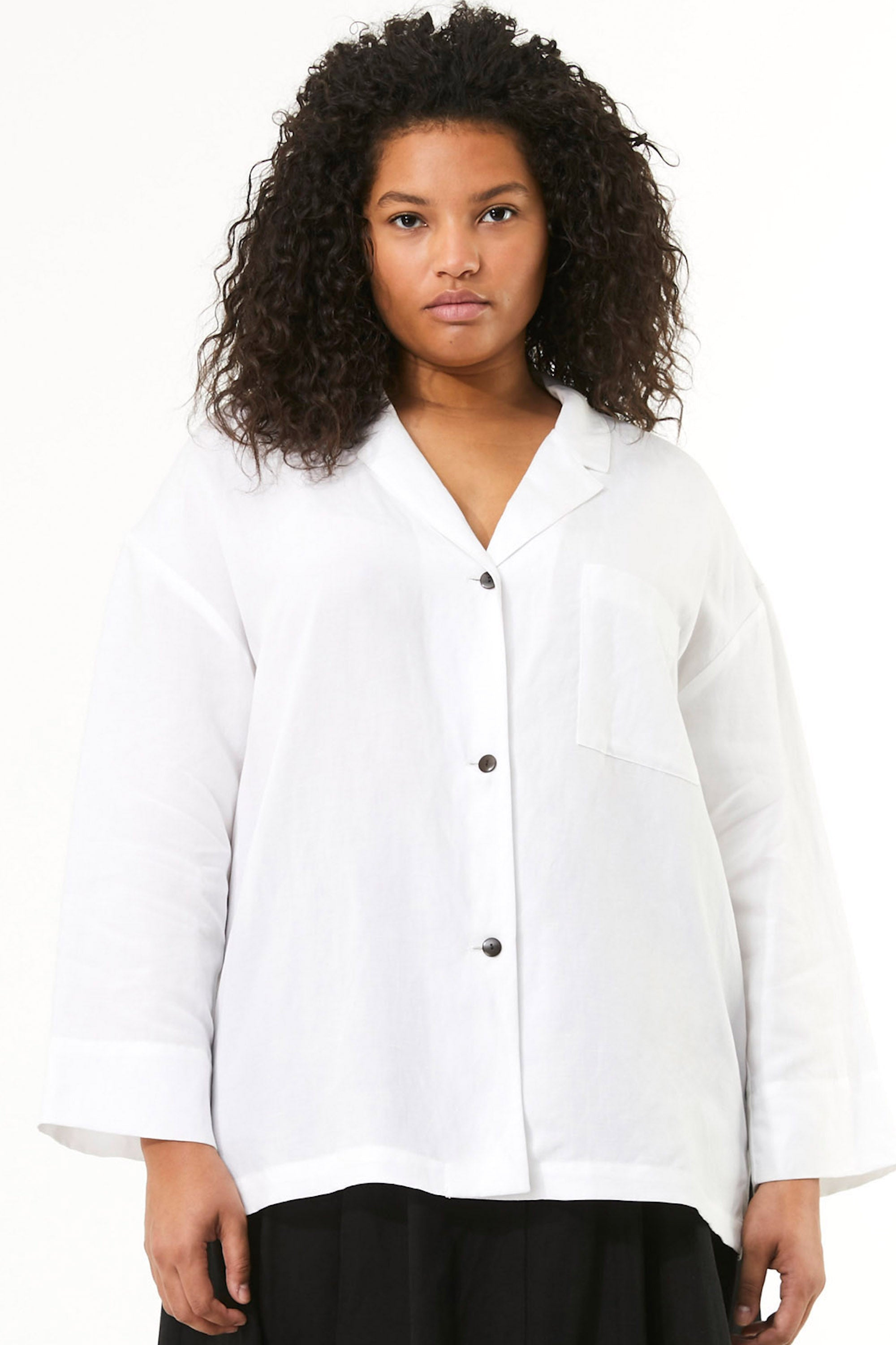 Mara Hoffman Extended White Eleanor Top in Tencel Lyocell and Linen (front detail)