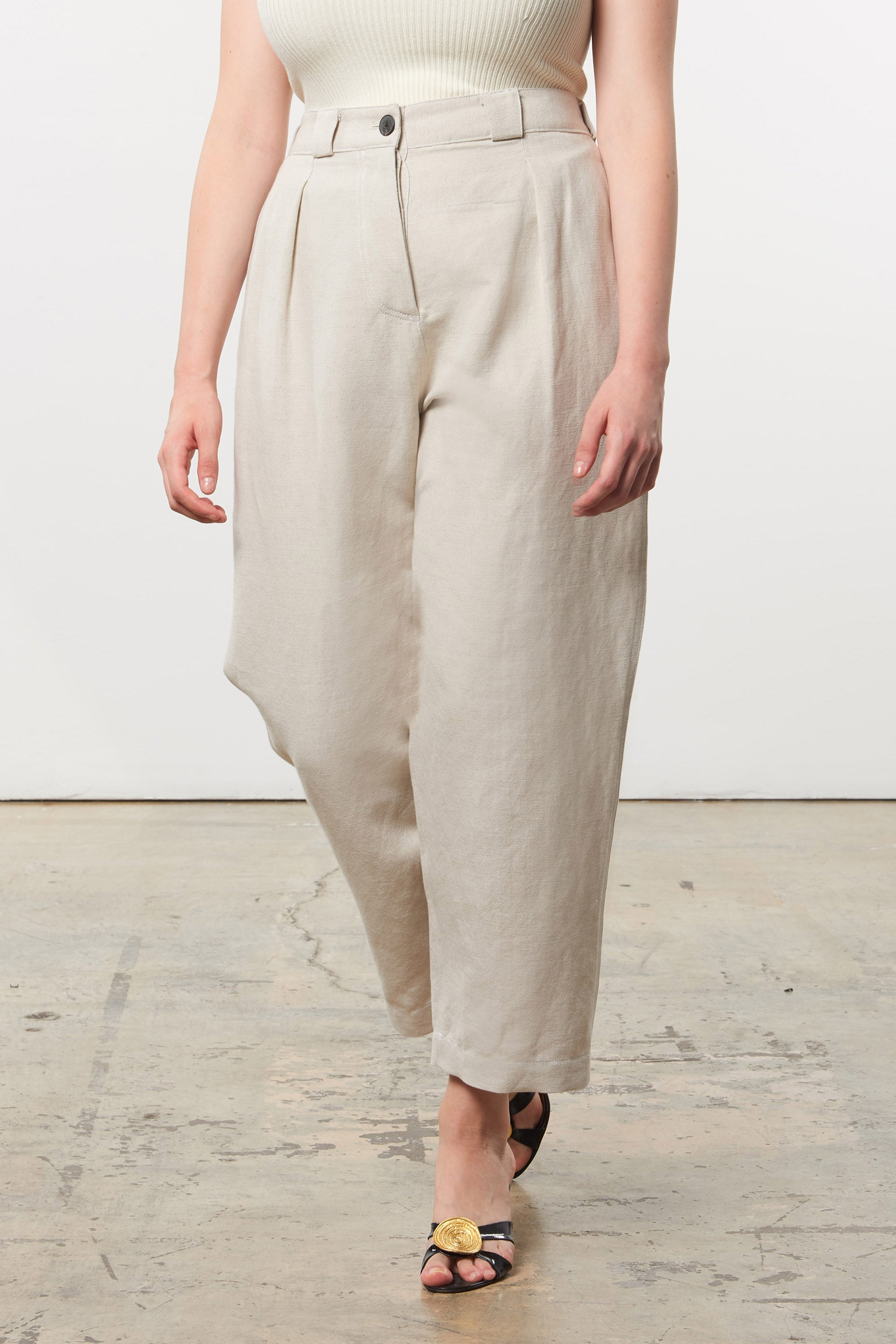 Mara Hoffman Extended Beige Jade Pant in linen and organic cotton (front detail)