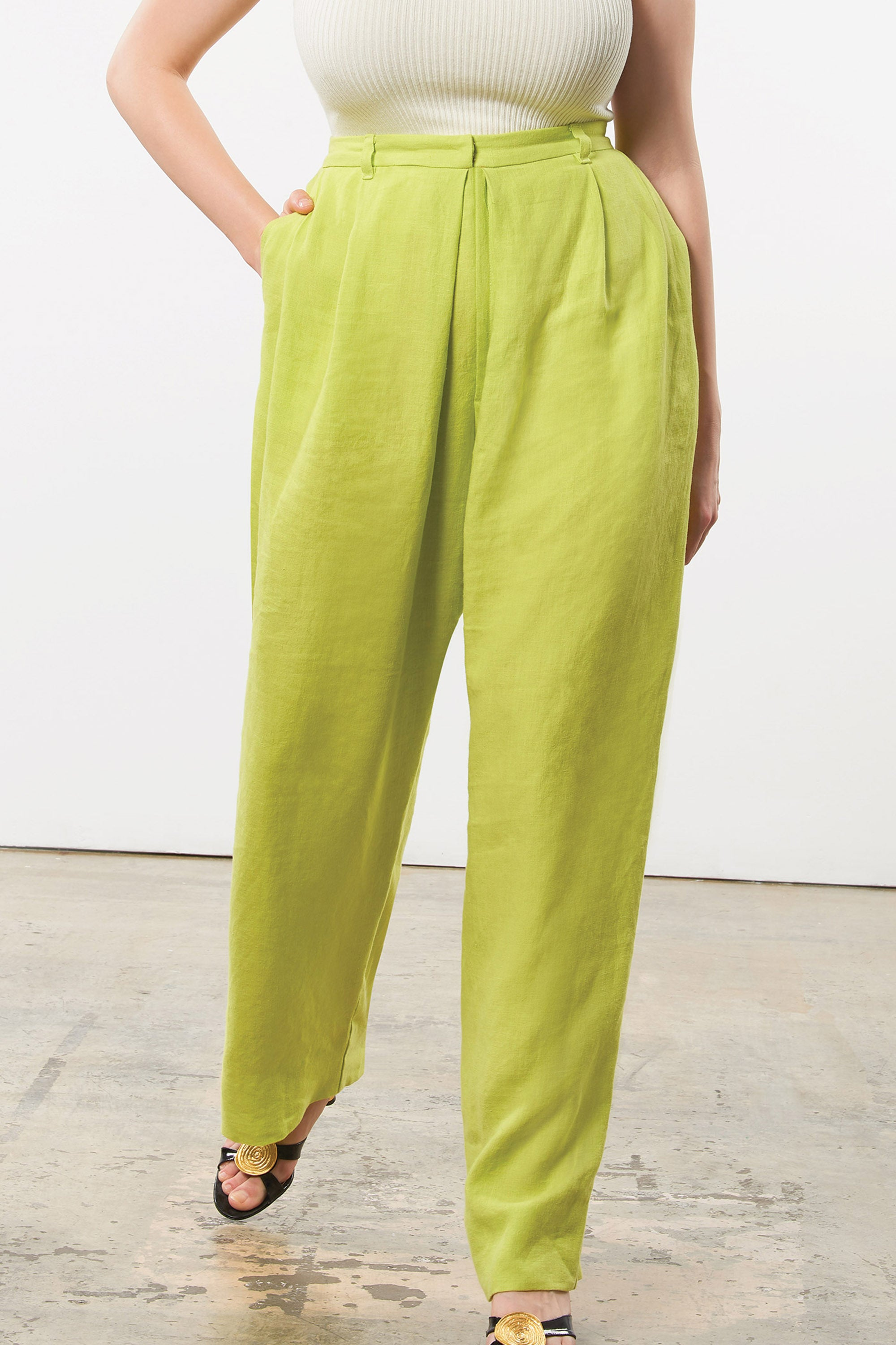 Mara Hoffman Extended Green Eldora Pant in hemp (front pocket detail)