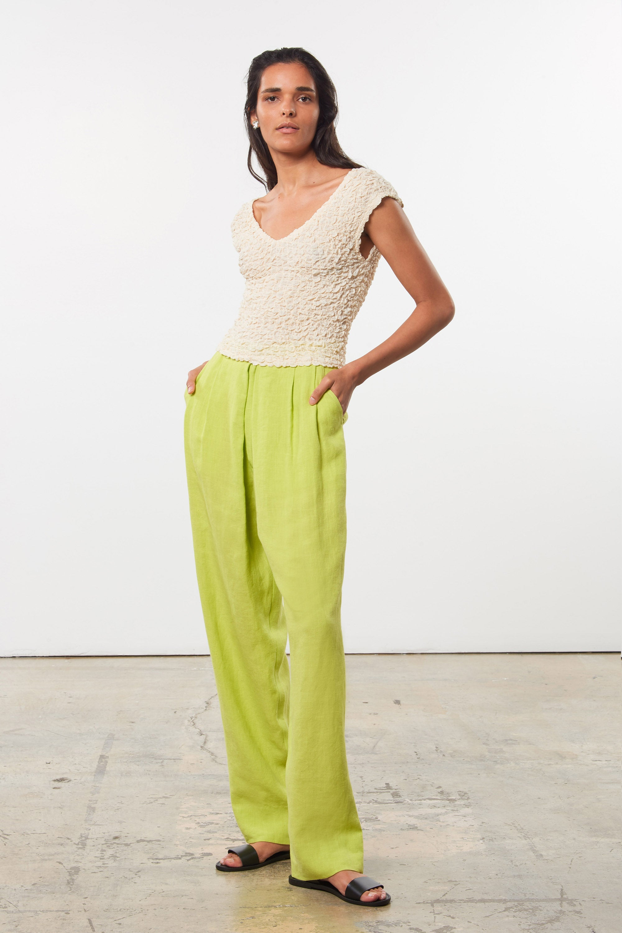 Mara Hoffman Green Eldora Pant in hemp (front pocket detail)
