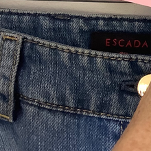Load image into Gallery viewer, Escada Jeans Size 40