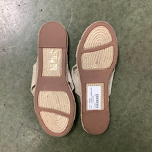 Load image into Gallery viewer, J Crew Sandals Size 9.5