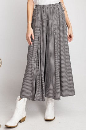 Pin Stripe Palazzo Pants - black/white