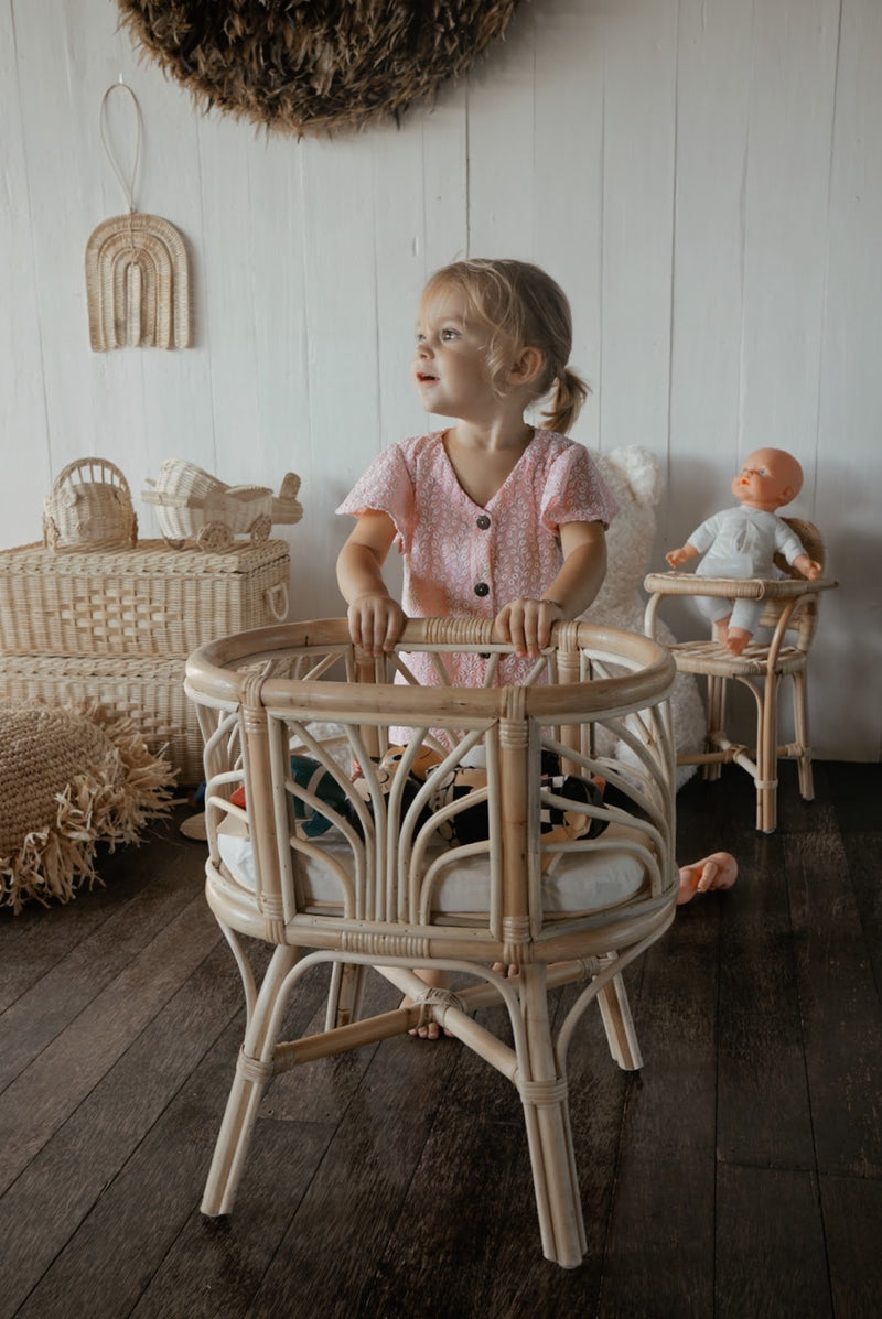 Fountain Doll Bassinet