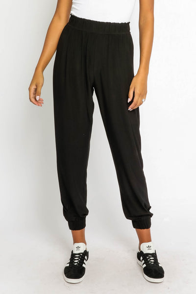 Relaxed Pleated Jogger