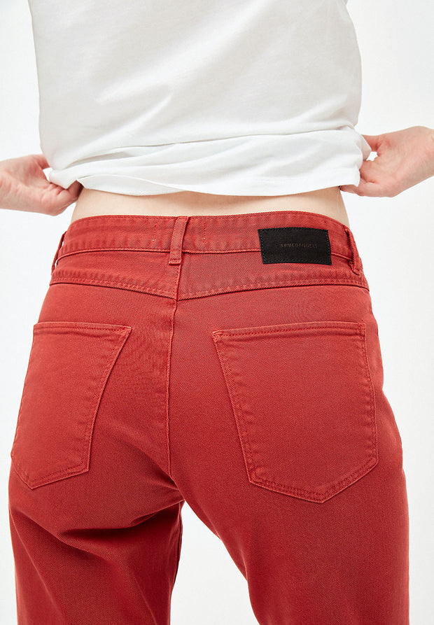 Fjella Cropped Jeans in Red