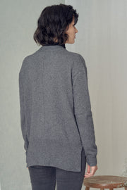 Olenkaa Cardigan in Grey