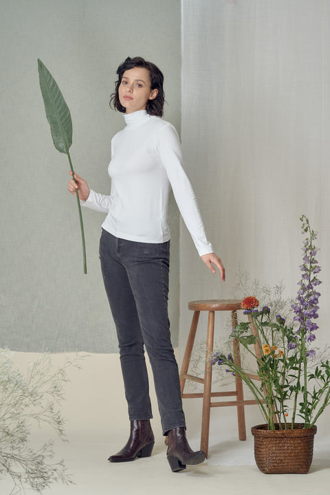Mio Turtleneck in White
