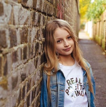 ELIZA_IN REAL PRETTY KIND_RAINBOWSPARKLE ORGANIC COTTON TEE