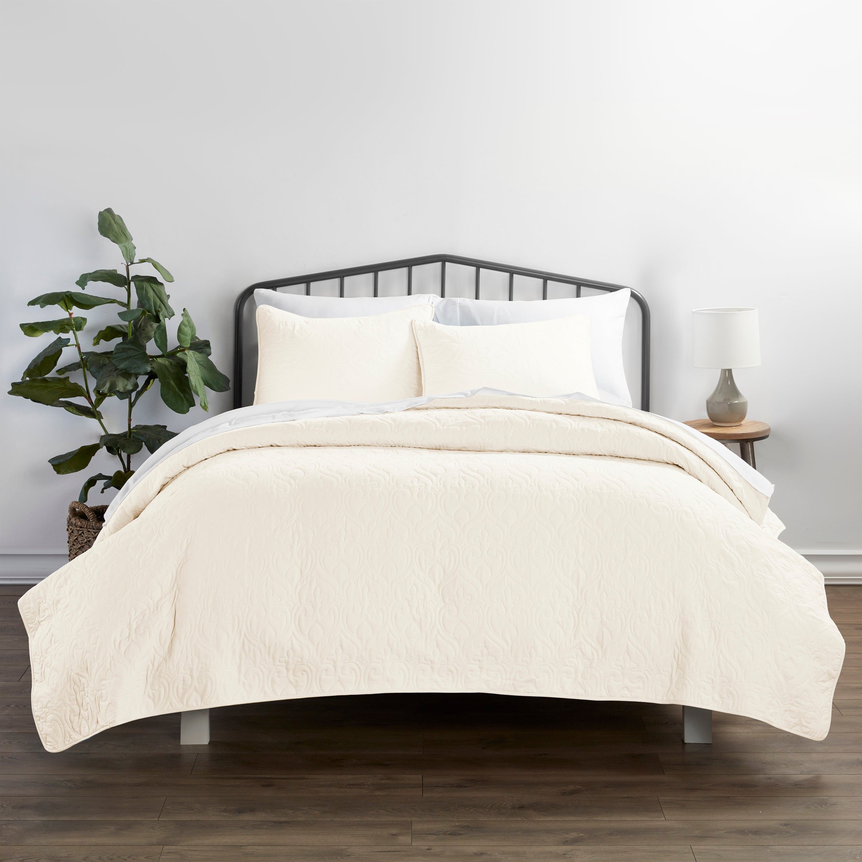 shopify-3-Piece Damask Quilted Coverlet Set-5