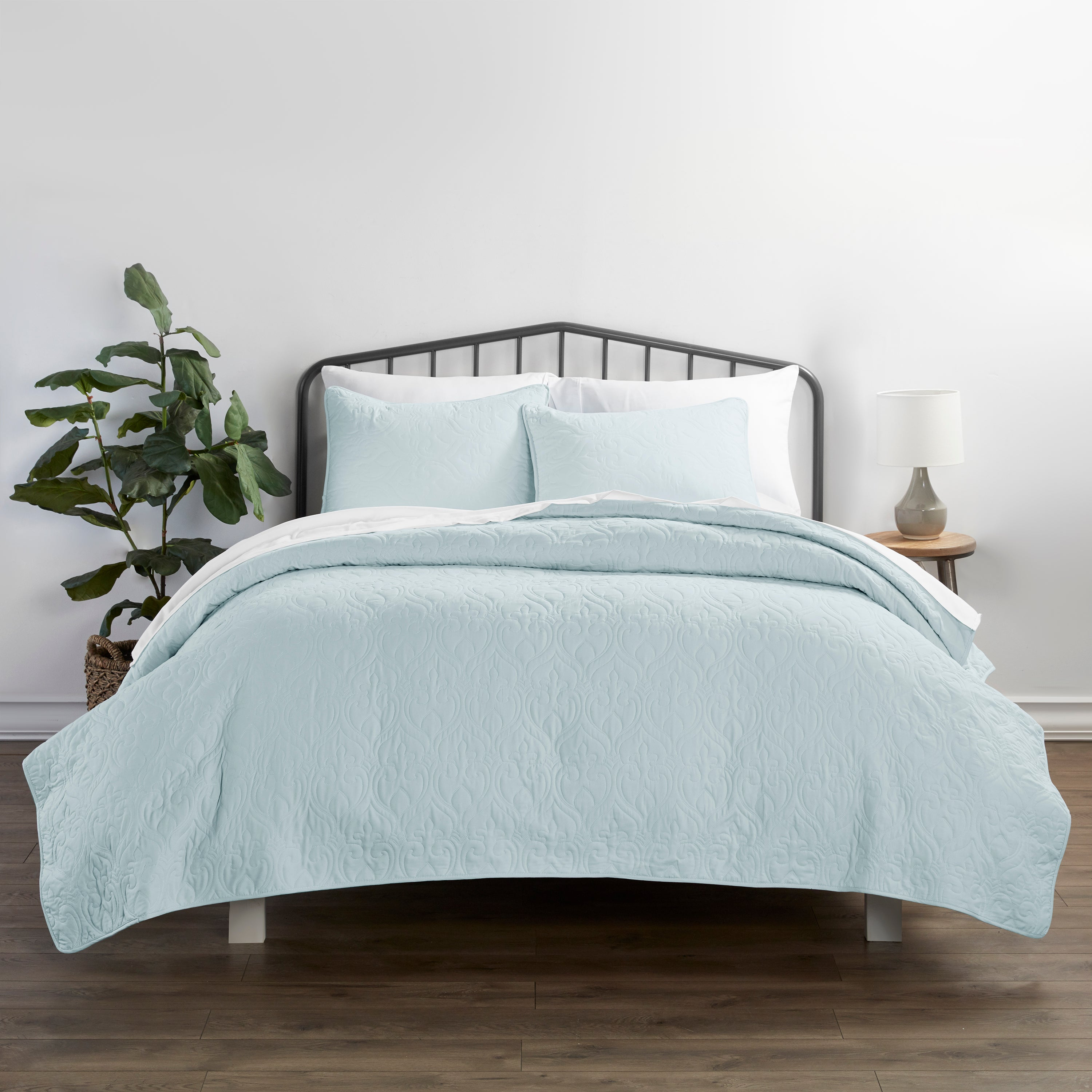 shopify-3-Piece Damask Quilted Coverlet Set-1