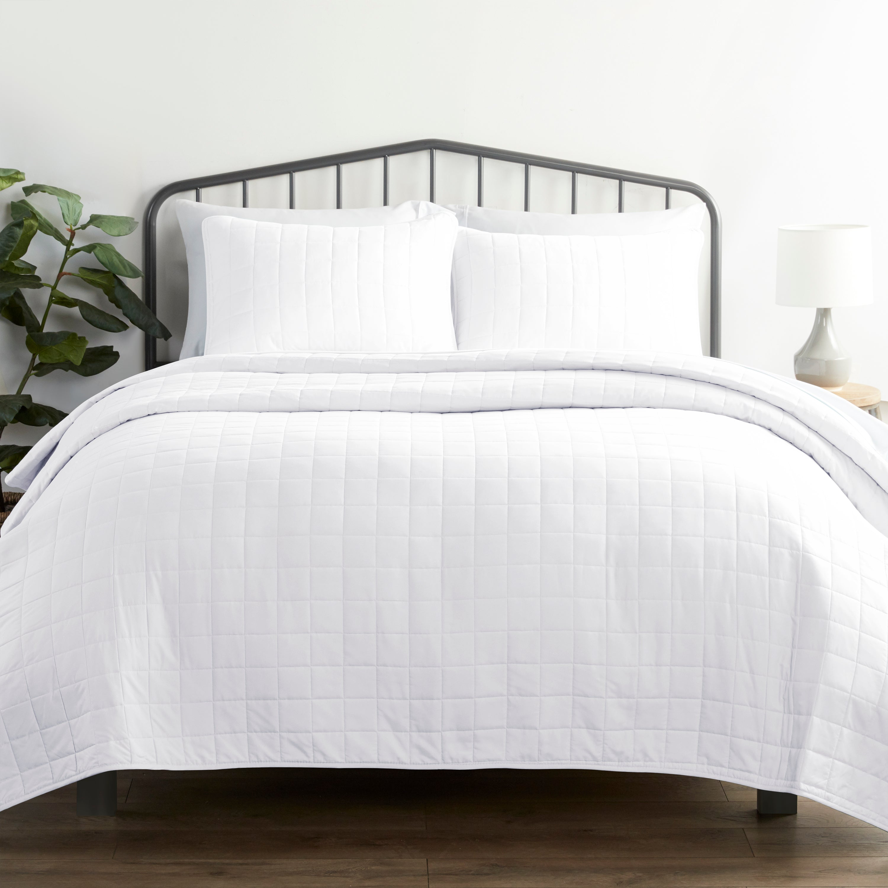 shopify-3-Piece Square Quilted Coverlet Set-9