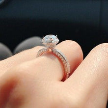Load image into Gallery viewer, Halo Setting Invisible Solitaire Ring 包邊光環碎鑽戒指 (JR033)