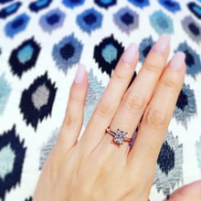 Load image into Gallery viewer, Radiant Cut Solitaire Ring 君主方石戒指 (JR057)