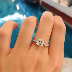 Princess Cut Fancy Solitaire Ring 公主方石上下排碎鑽戒指 (JR052)