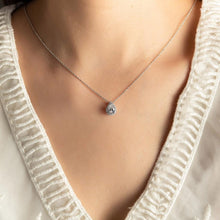 Load image into Gallery viewer, Pear Halo Jewelry Necklace 梨形石光環吊墜頸鏈 (JN014)