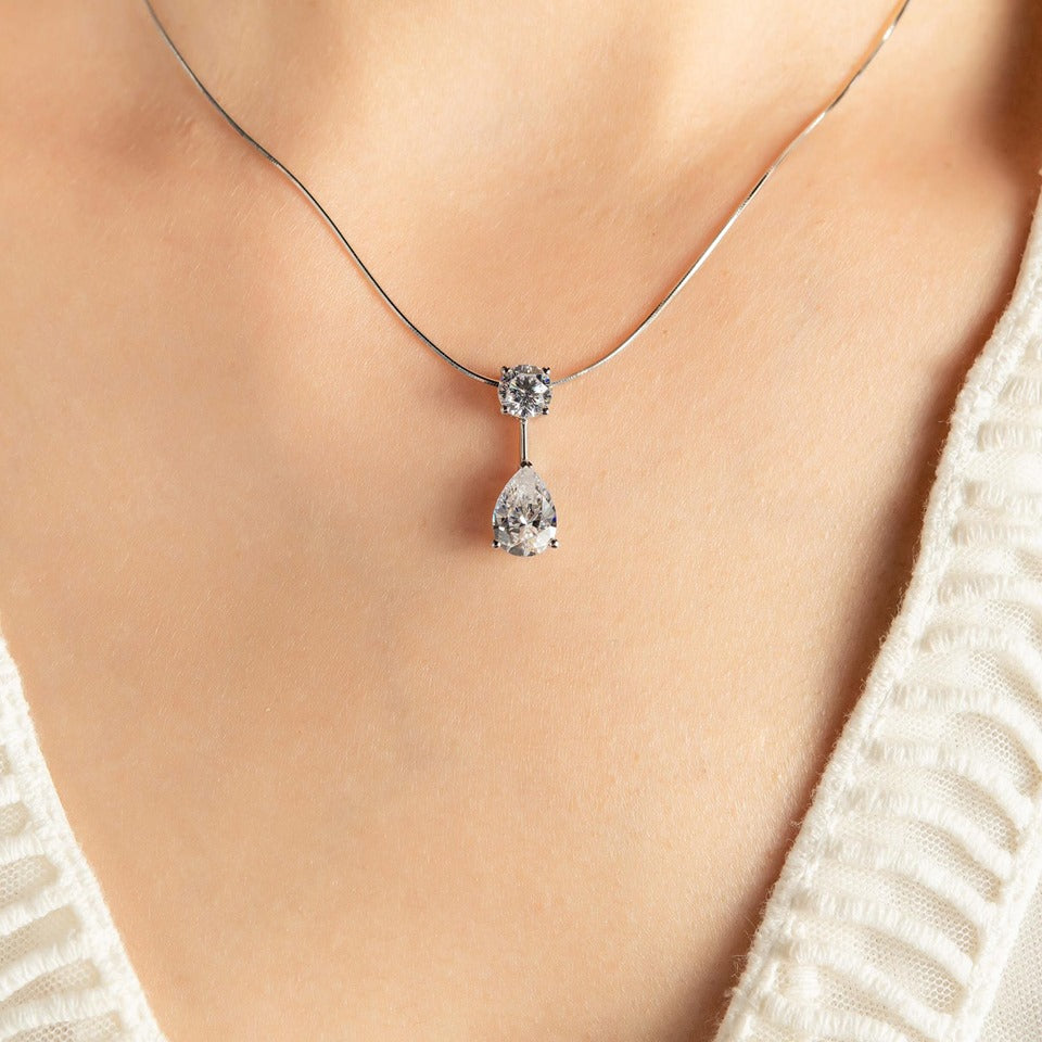 Round And Pear Cut Pendant Necklace 華麗圓石配梨形石頸鏈 (JN016)