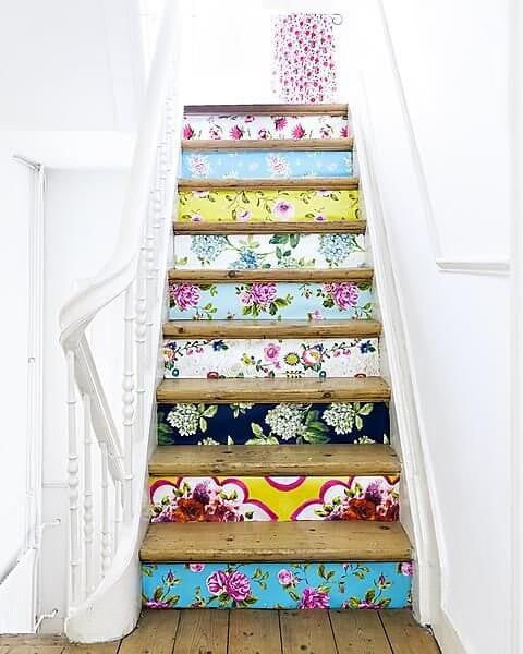 Spring Decorating Ideas for Your Staircase