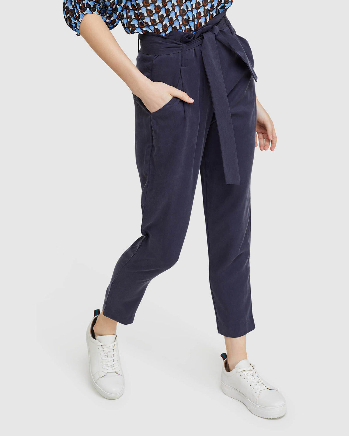 SLOANE VISCOSE AND LINEN PANTS NAVY