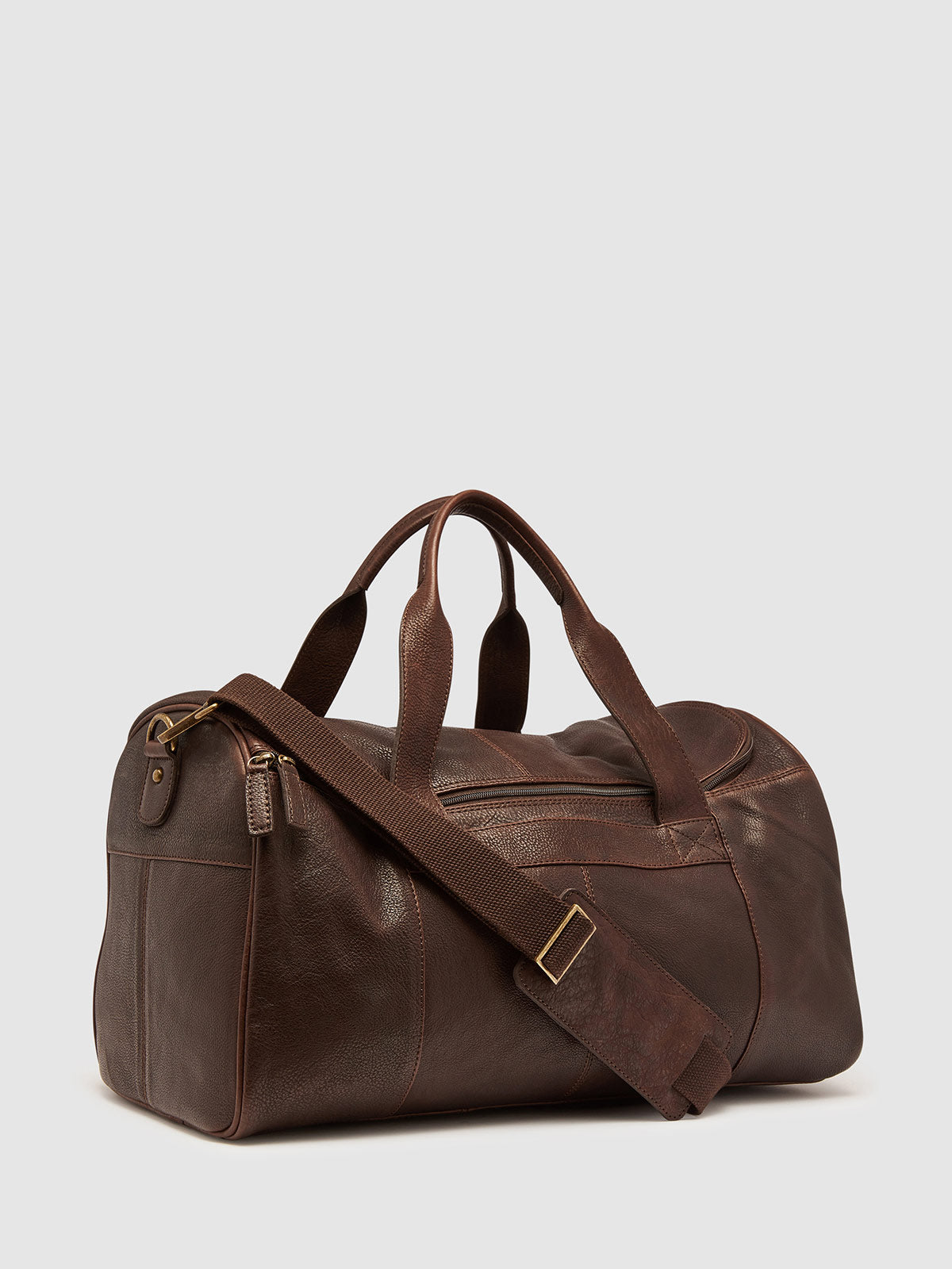 CABE LEATHER OVERNIGHT BAG CHOCOLATE