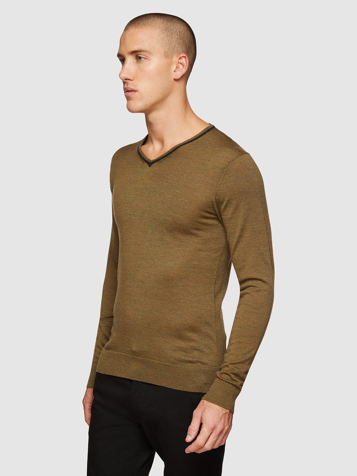 PERRY TIPPING V-NECK WOOL PULLOVER
