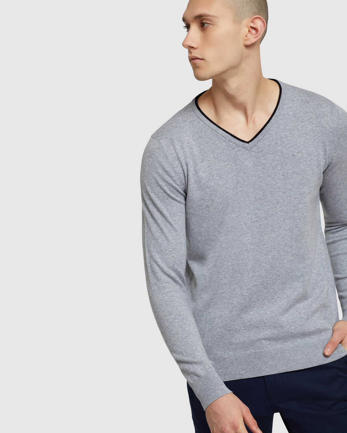 PERRY TIPPING V-NECK PULLOVER