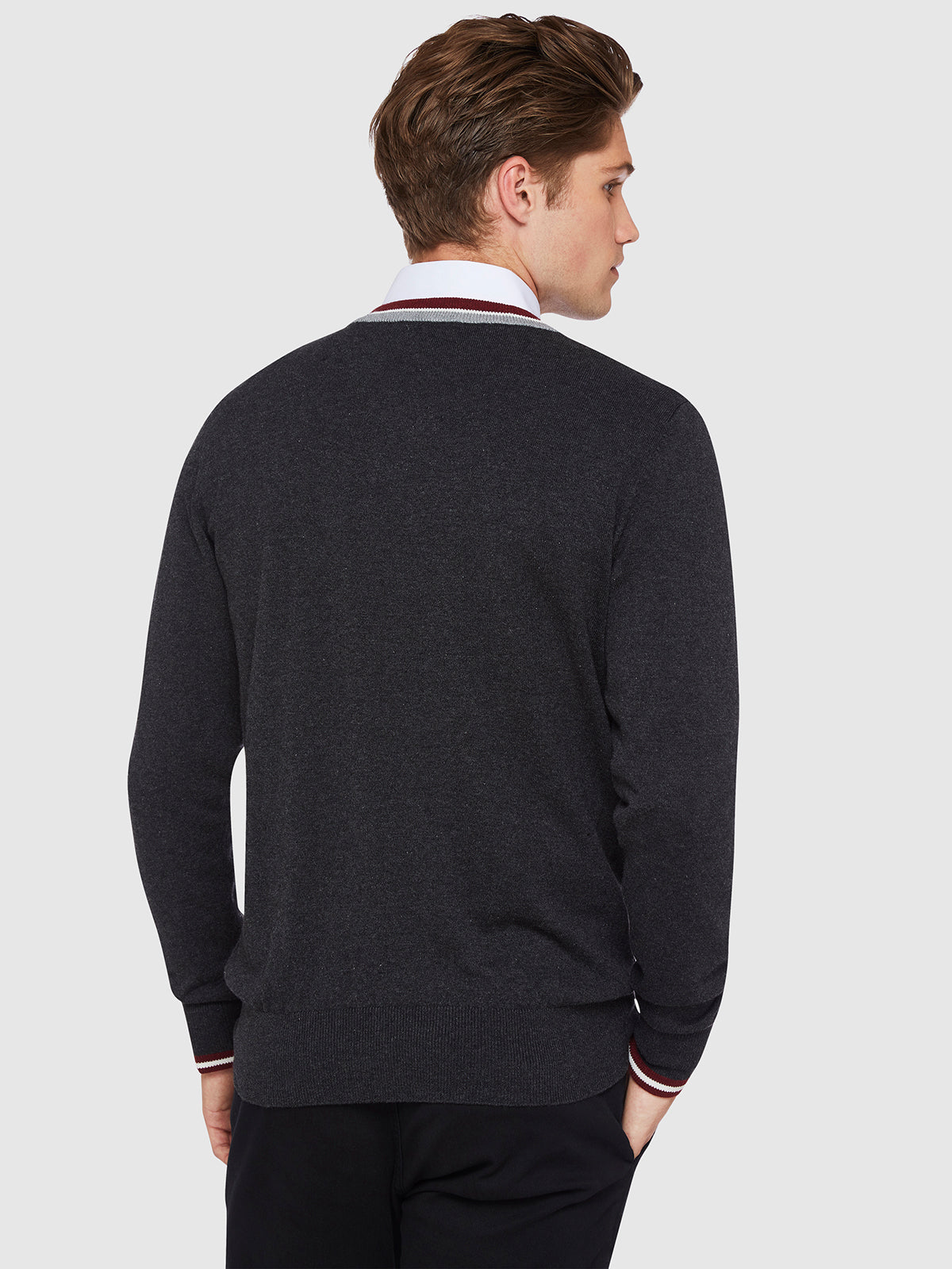 JAX TIPPING V-NECK PULLOVER