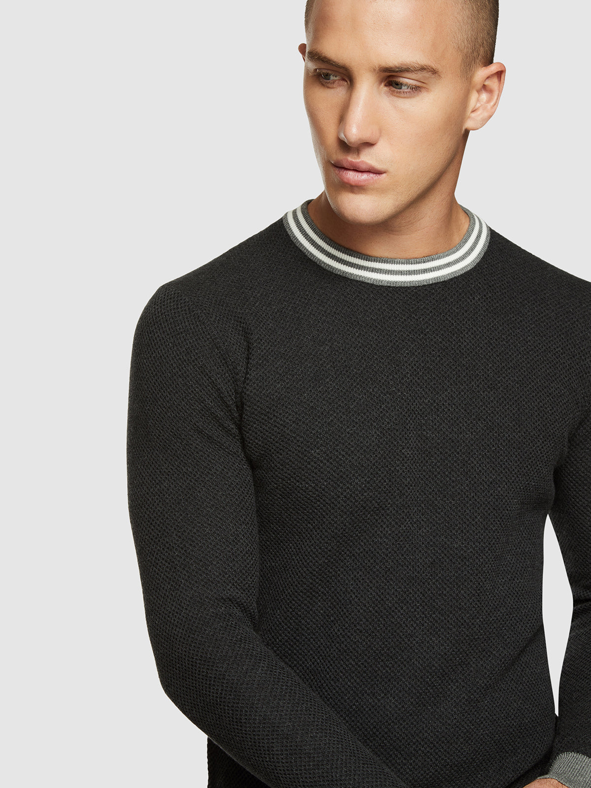 FRED CREW NECK TEXTURED PULLOVER