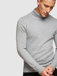 NOAH TURTLE NECK KNIT