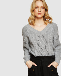 BILLIEJEAN CABLE V-NECK KNIT