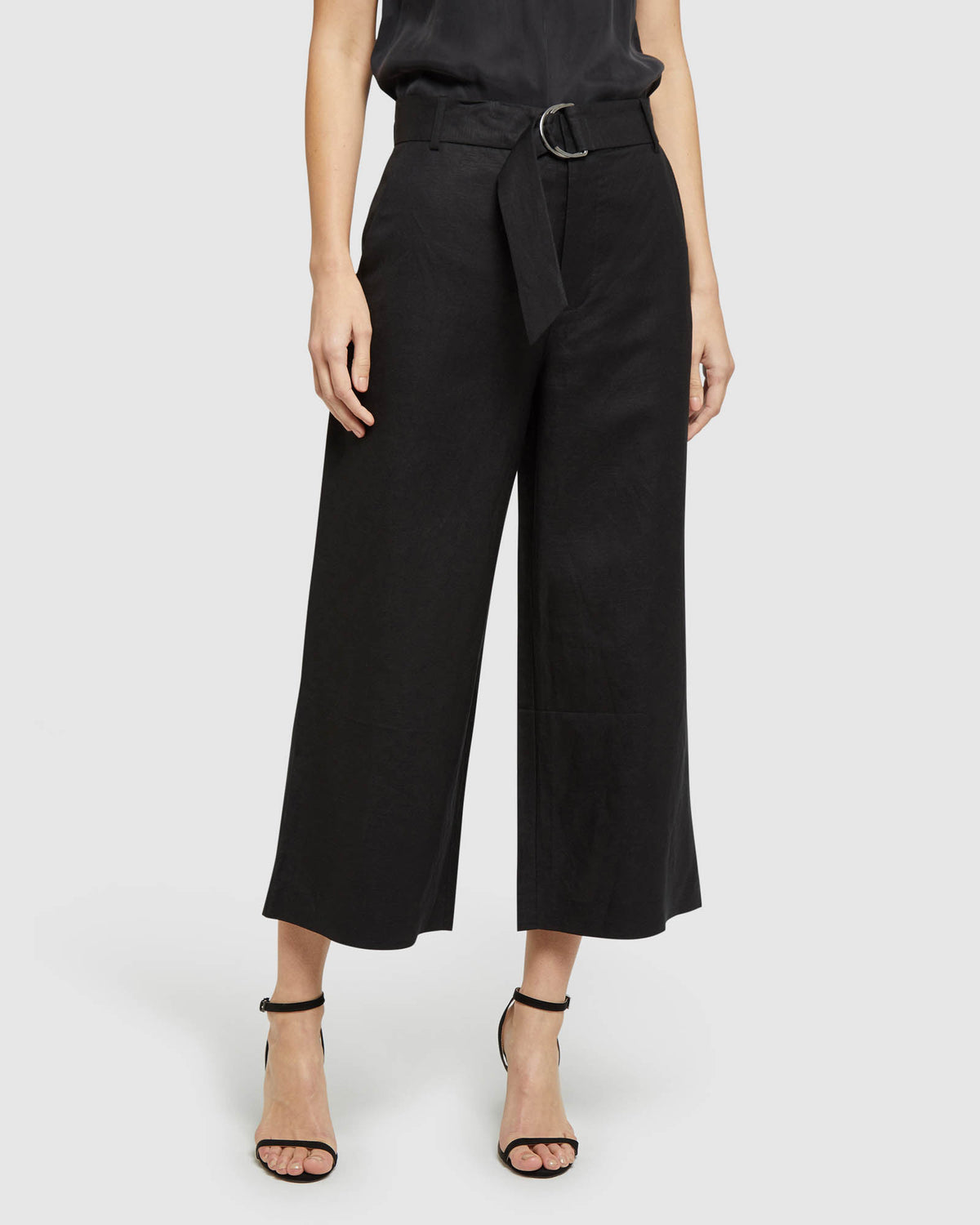 LACIE CULOTTES WITH BELT BLACK