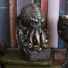 Load image into Gallery viewer, Nemesis Now Cthulhu 17cm Horror Figurine Medium