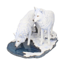 Load image into Gallery viewer, Warriors Of Winter (Lp) 35cm Wolves Figurine Large