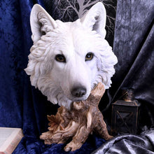 Load image into Gallery viewer, Wild Winter 27.5cm Wolves Figurine Medium