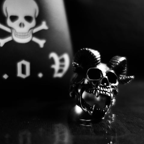 SACRIFICE SKULL RING