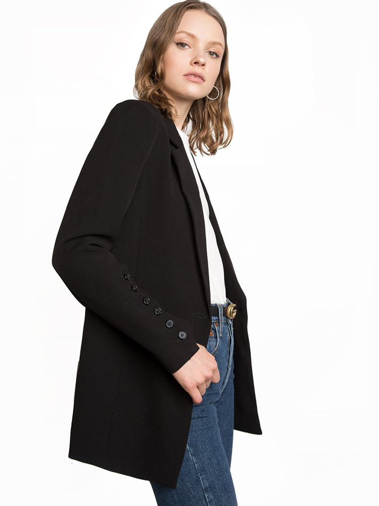 Trendy Autumn commuter female blazer