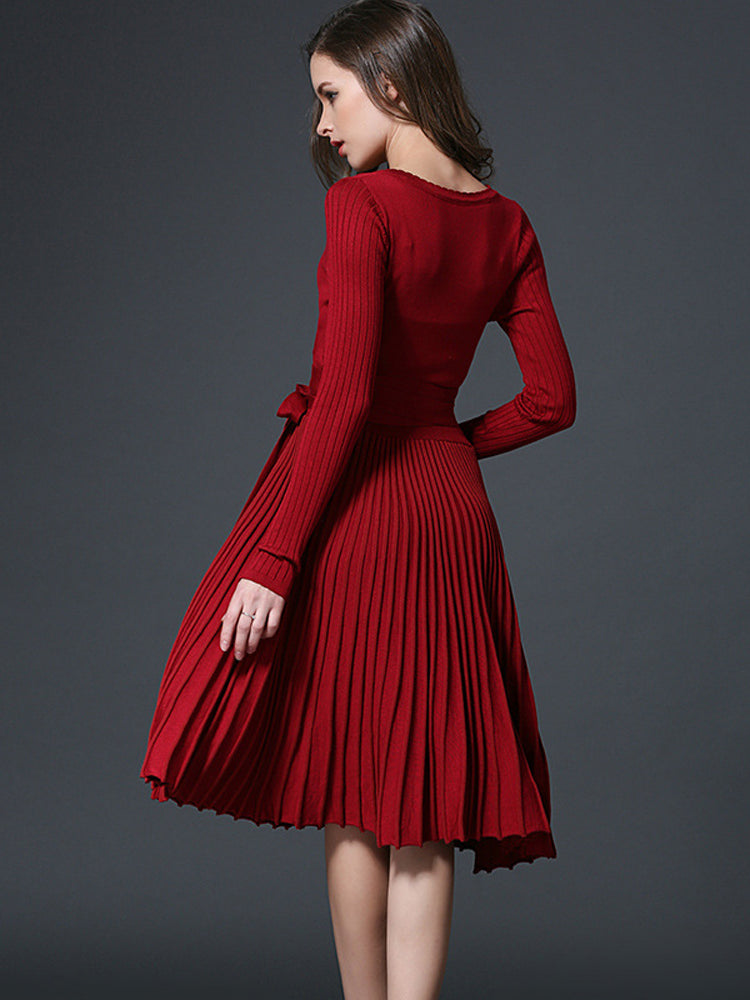 Long sleeve V-neck pleated knit A-line dress