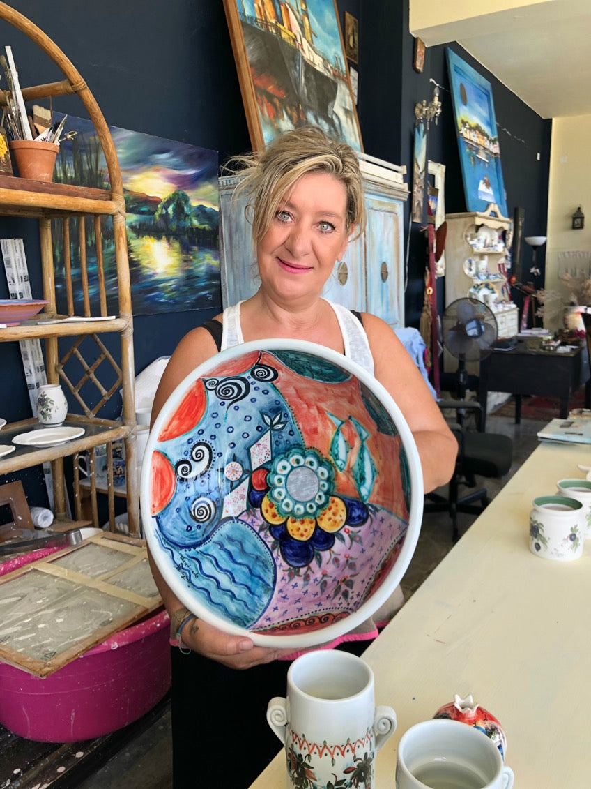 Vasiliki Sigianni, greek artist and painter, owner of Seayanni workshop