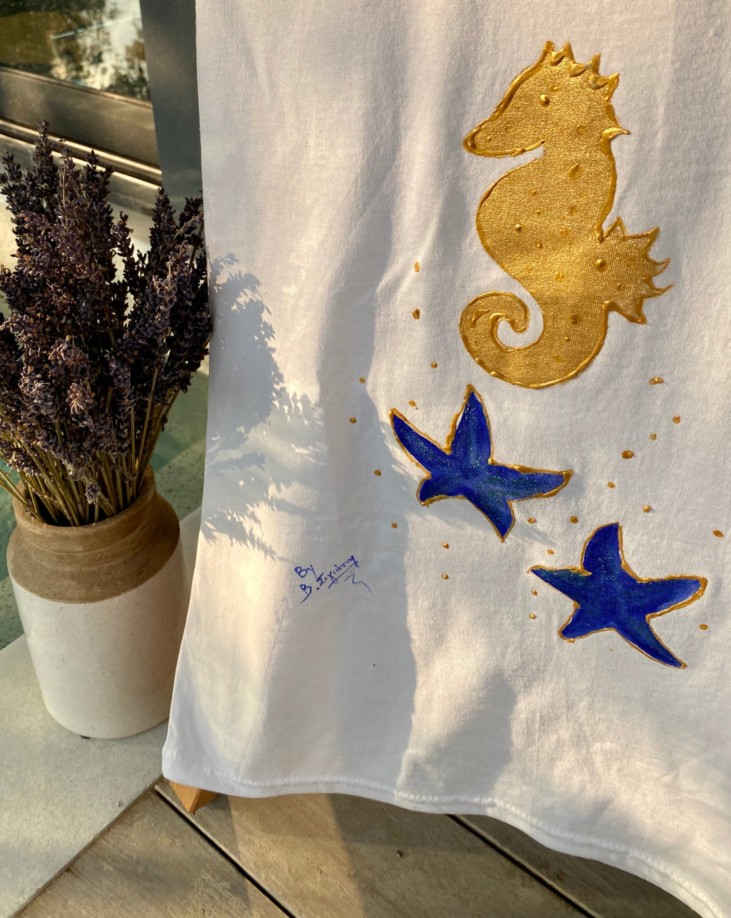 t-shirt with seahorse