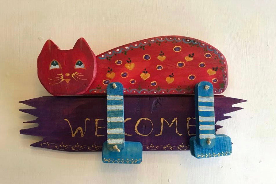 Red-Purple Wooden Cat