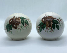 Load image into Gallery viewer, Salt & Pepper Ceramic Shaker Set