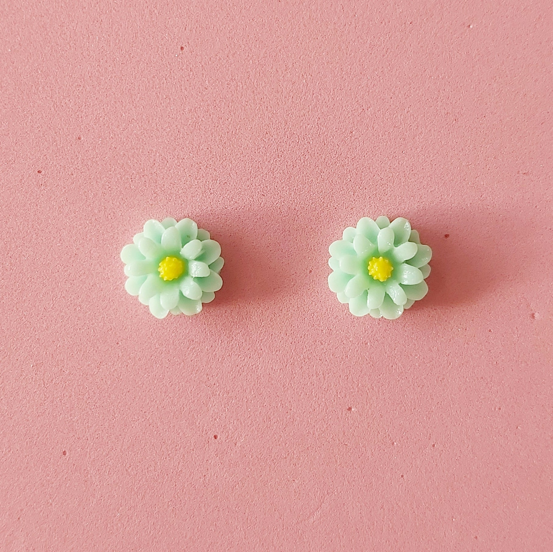 Mint green daisy flower studs