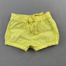 Load image into Gallery viewer, Girls Tiny Little Wonders, yellow cotton shorts, elasticated, FUC, size 00