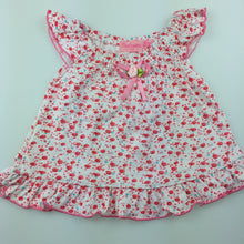 Load image into Gallery viewer, Girls Cantarana, summer floral flutter sleeve top, EUC, size 6 months
