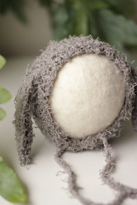 Textured (cotton-like) Lamb Bonnets