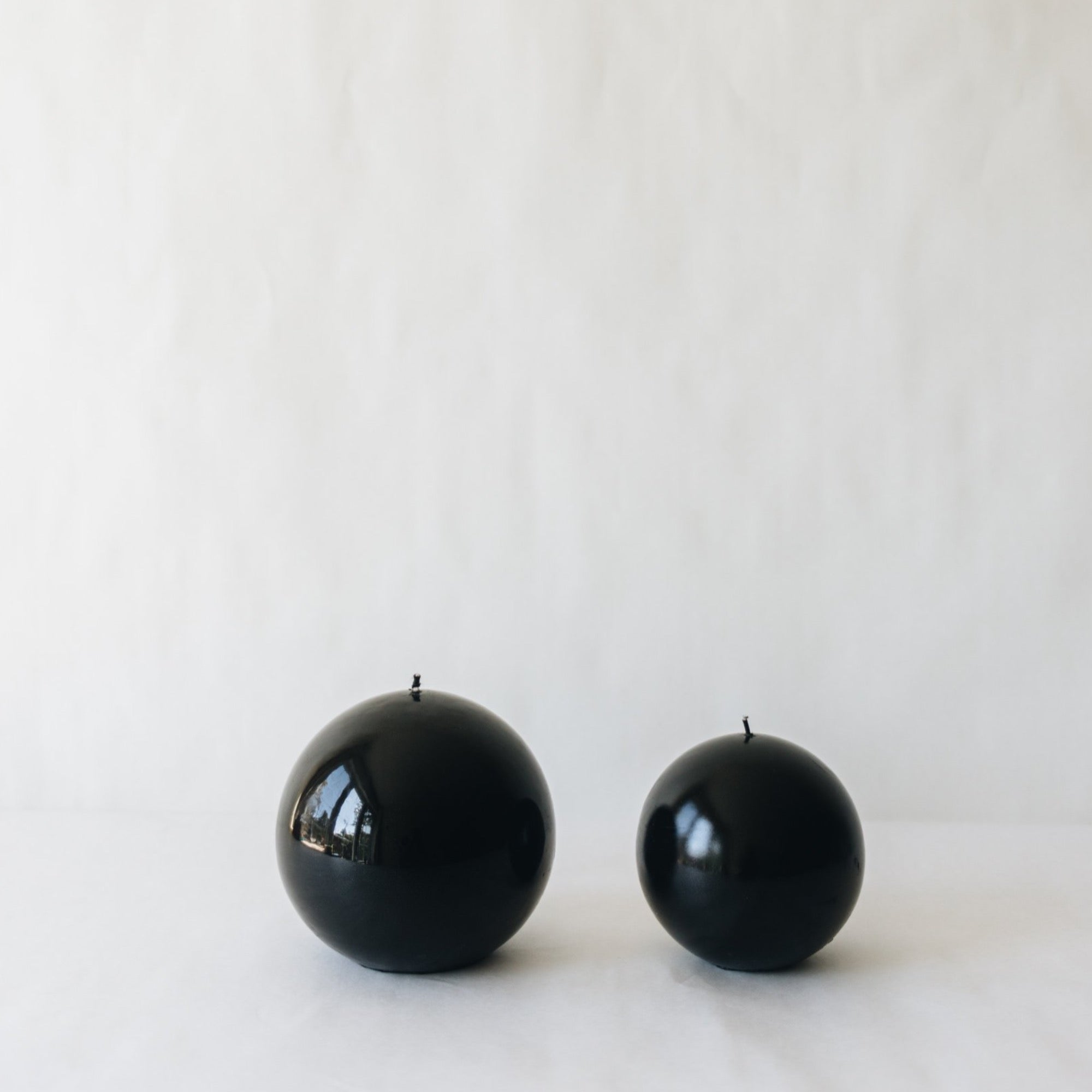 Sphere Candle, Black