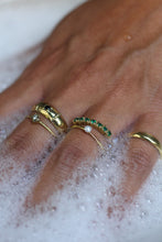 Load image into Gallery viewer, Ringen - Vintage multi green zircon - Brass