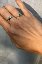 Load image into Gallery viewer, Ringen - Triple green stone - Silver