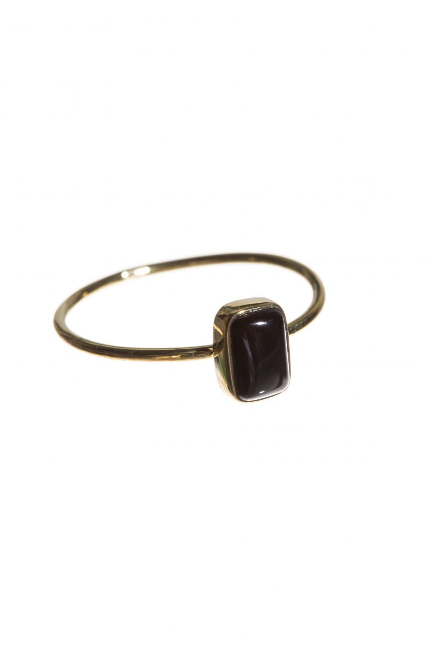 Brass ring with rectangle onyx stone Xzota